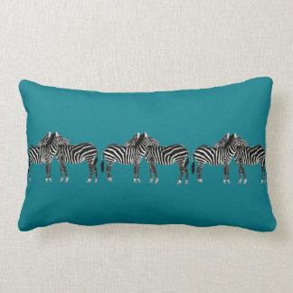 Almohada elegante, cebras en trullo