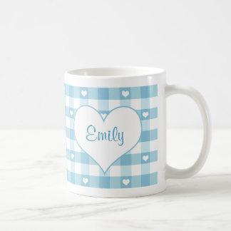 Almohada en colores pastel de los corazones y de l taza de café