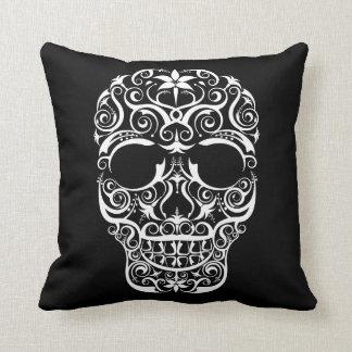 Almohada estilizada de encaje del cráneo