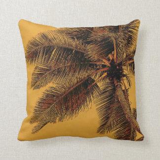 Almohada exótica del lanzamiento de la palma