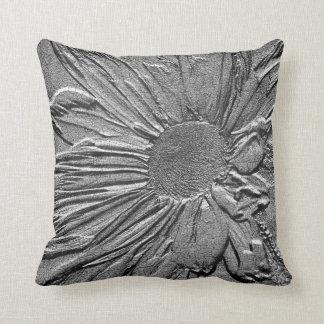 Almohada floral de MoJo del americano de la margar