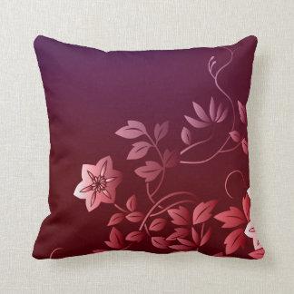 Almohada floral del acento de la pasión rosada