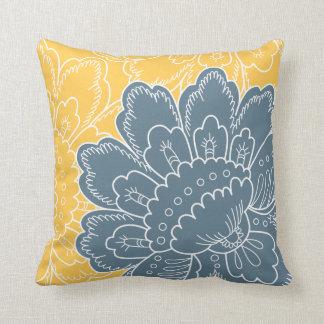 Almohada floral grande del adorno en trullo y oro