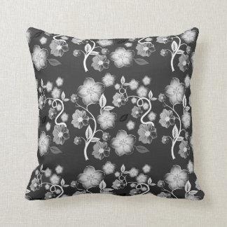 Almohada floral negra, gris, y blanca elegante del