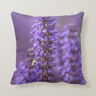 Almohada floral púrpura del acento