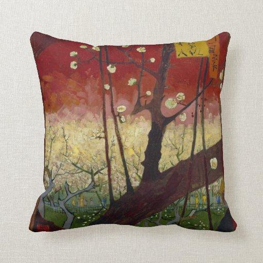 Almohada floreciente del árbol de ciruelo