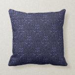 Almohada formal adornada del damasco de los azules