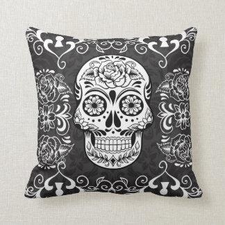 Almohada gótica del Grunge del cráneo decorativo