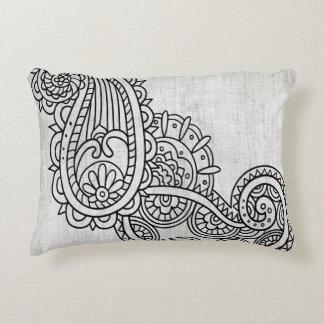 Almohada gris del acento del adorno de Mehndi Cojín Decorativo