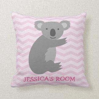 Almohada gris linda del cuarto de niños del oso de
