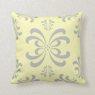 Almohada gris y amarilla de la decoración del