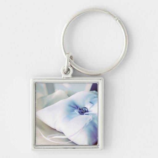 Almohada hermosa del anillo de bodas llavero personalizado