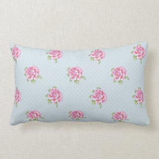 Almohada inglesa de los rosas de la cabaña