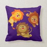 Almohada ingrávida linda de los leones del dibujo