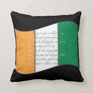 Almohada irlandesa de la bandera y del himno