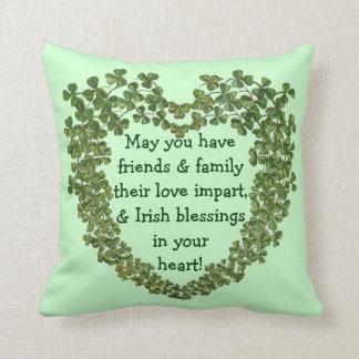 Almohada irlandesa del corazón de la bendición cojín decorativo
