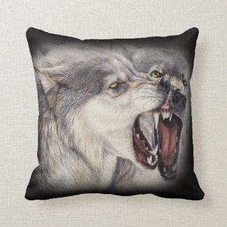 almohada juguetona de los lobos