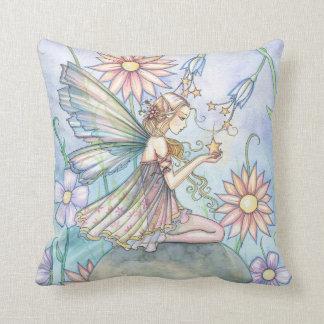 Almohada linda de la hada de la flor