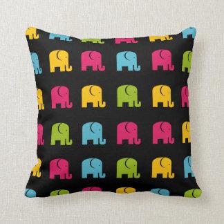 Almohada linda del elefante