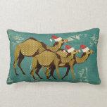 Almohada lumbar azul del navidad de los camellos