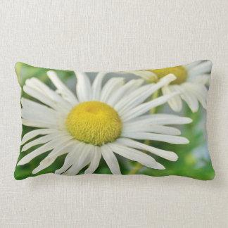 Almohada lumbar BLANCA de la flor del poder