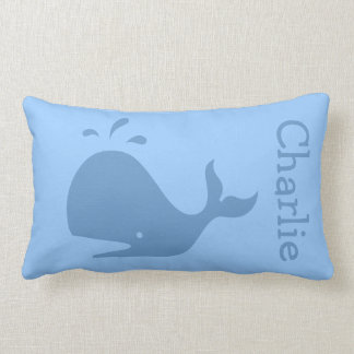 Almohada lumbar de la ballena azul con nombre de e