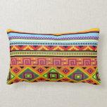 Almohada lumbar tribal azteca