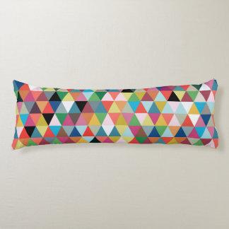 Almohada modelada geométrica colorida del cuerpo