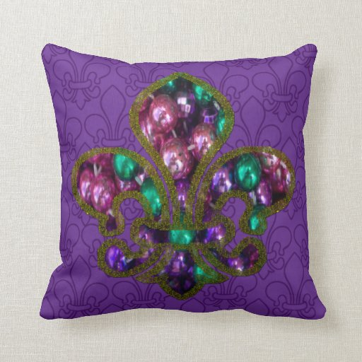 Almohada moldeada de la flor de lis