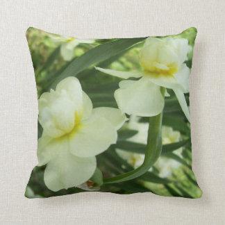 Almohada - narciso floreciente doble