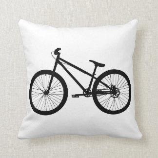 Almohada negra de la bici de montaña del vintage