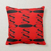 Almohada negra roja retra