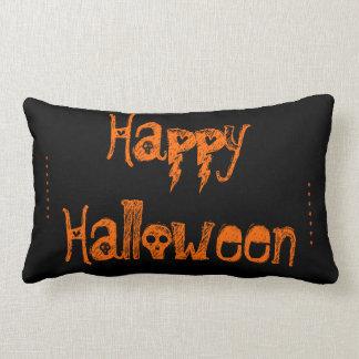 almohada negra y anaranjada de Halloween del cráne
