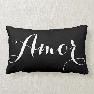 Almohada negra y blanca de Amor de la caligrafía
