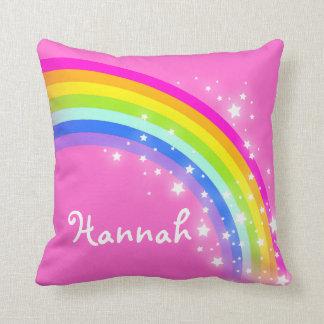 almohada nombrada hija del rosa de arco iris