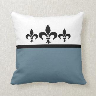 Almohada ostentosa azul de la flor de lis