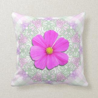 Almohada - personalizada - cordón rosado oscuro La