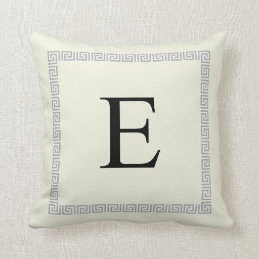 Almohada personalizada el | E inicial del monogram