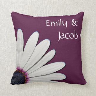 Almohada personalizada margarita púrpura