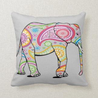 Almohada pintada del elefante