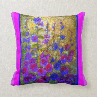 Almohada púrpura Cerise del jardín de los Hollyhoc