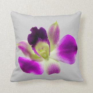 Almohada púrpura de la orquídea