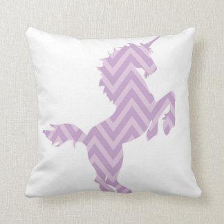 Almohada púrpura reversible del unicornio de los c