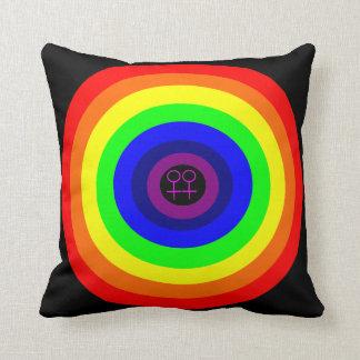 Almohada redonda del arco iris de las lesbianas
