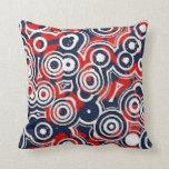 Almohada retra de los círculos blanco rojo y azul