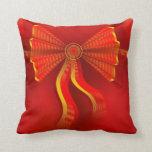 Almohada roja del arco