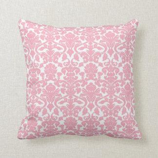 Almohada rosa clara floral adornada del damasco