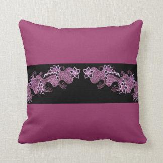 almohada rosada bonita del mehndi