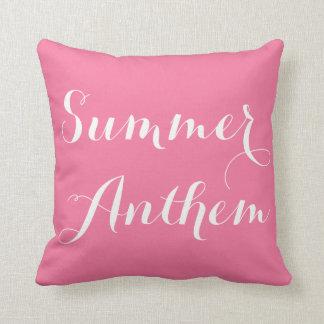 Almohada rosada de la caligrafía del himno del