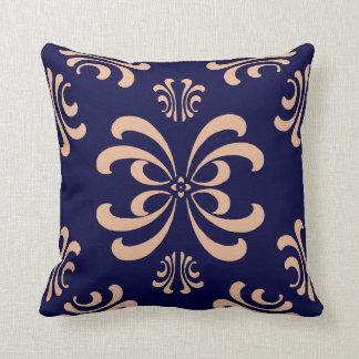 Almohada rosada de la decoración del Flourish de